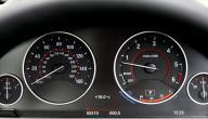 معاني الرموز التي تظهر على لوحة القيادة في السيارة