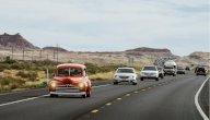للمبتدئين: كيف تقود سيارتك بأمان على الطرق السريعة؟
