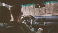 ما هي الأسباب وراء ثقل عجلة القيادة ؟ وما هو الحل؟