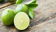 فوائد الليمون الأخضر: هل يحميك من حصى الكلى؟