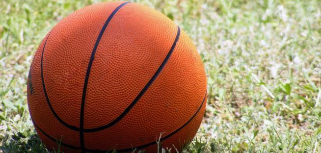 ما هي قوانين كرة السلة