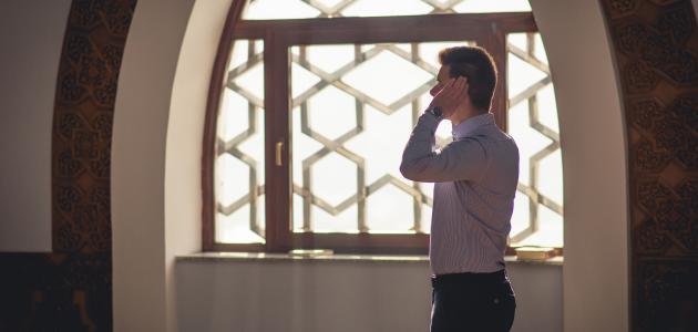 حكم الصلاة وقت الاذان