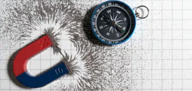 ما هو نص قانون نيوتن الثالث