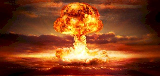 من صنع القنبلة النووية