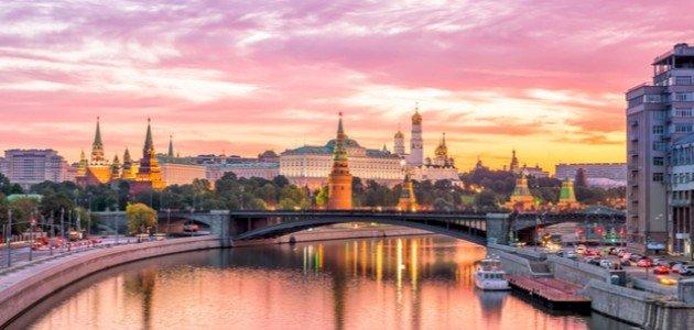 كم يبلغ عدد سكان روسيا