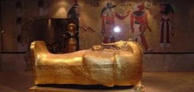 من هو الملك زوسر؟