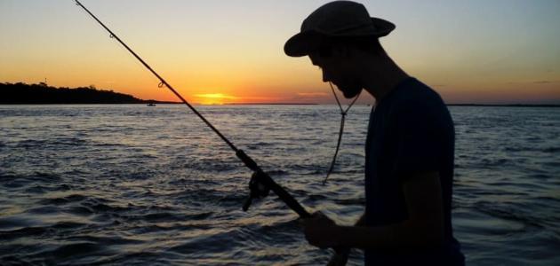 طرق الصيد بالسنارة