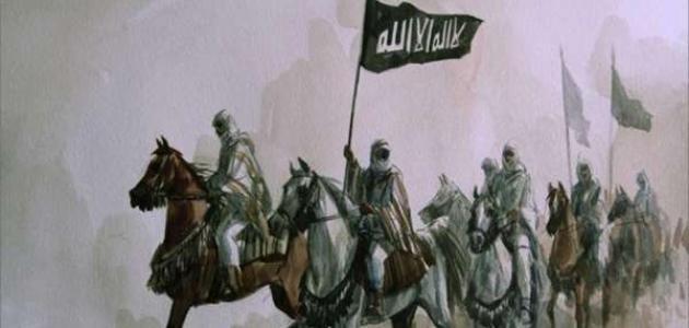 كم عدد المسلمين في غزوة أحد؟