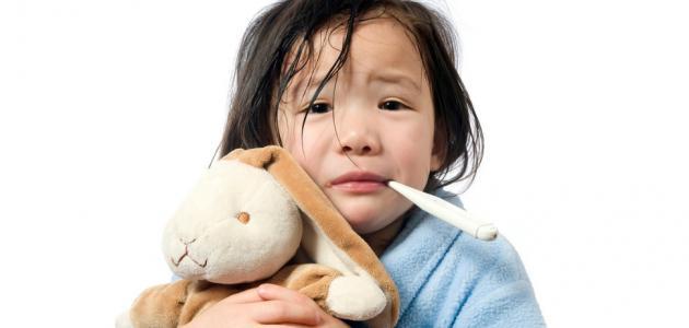 أسباب السخونة المستمرة عند الأطفال