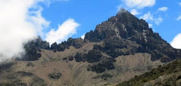 أين يقع جبل كلمنجارو