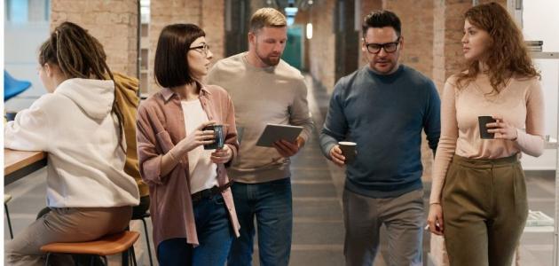 طرق لكسر الروتين وتعزيز علاقتك مع زملائك في العمل