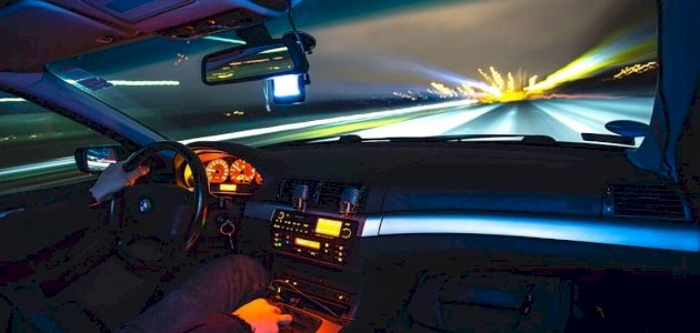 حالات يجب عليك فيها تخفيف سرعة السيارة