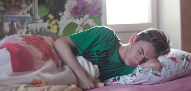خبراء: نوعية الطعام الذي تتناوله يؤثر على نومك