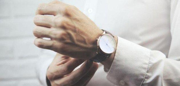 لماذا قد يرتدي بعض الرجال ساعات لا تعمل؟