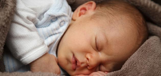 أسباب نوم الرضيع كثيرًا
