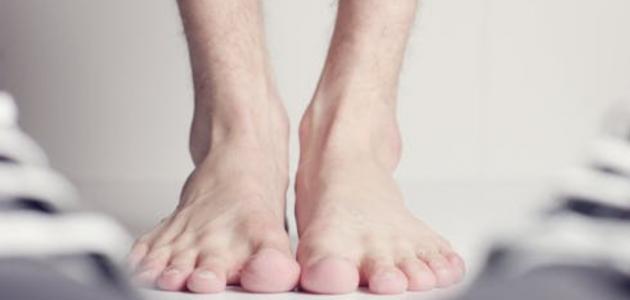 كيفية التخلص من مسمار القدم