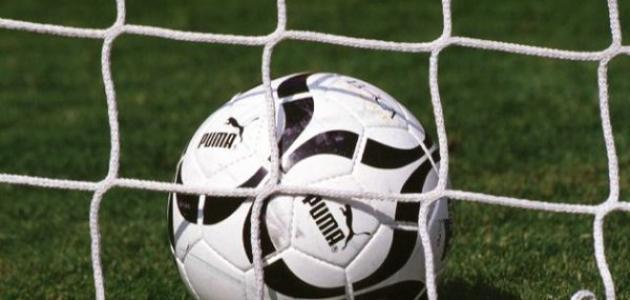 طرق اللعب في كرة القدم