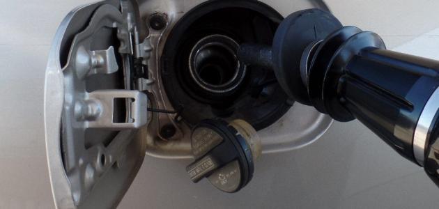 أسباب رائحة البنزين داخل السيارة